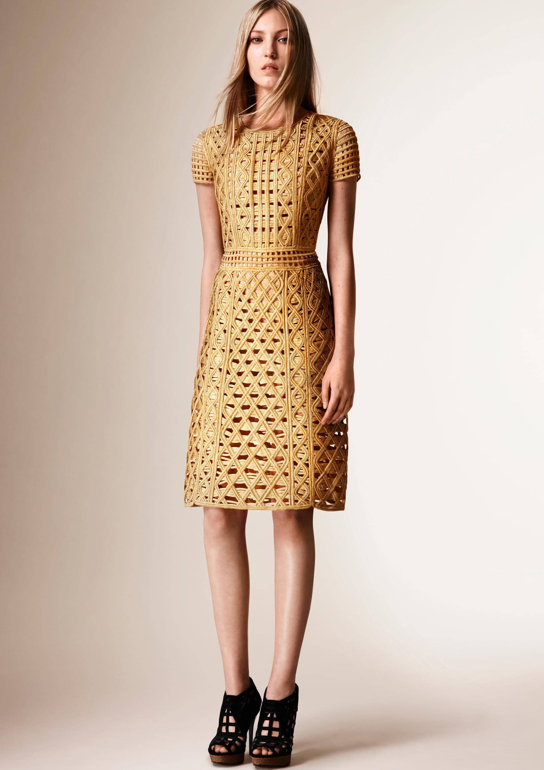 burberry-resort-collection-2016-14