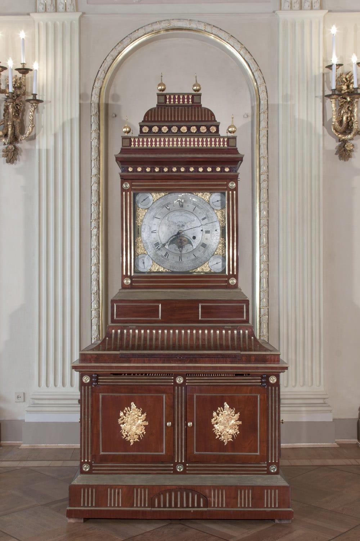 Отреставрированные часы