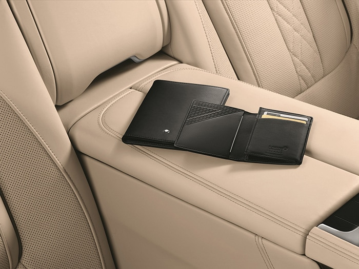 montblanc-for-bmw-mood-mst-passport-holder-and-business-card-holder.jpg