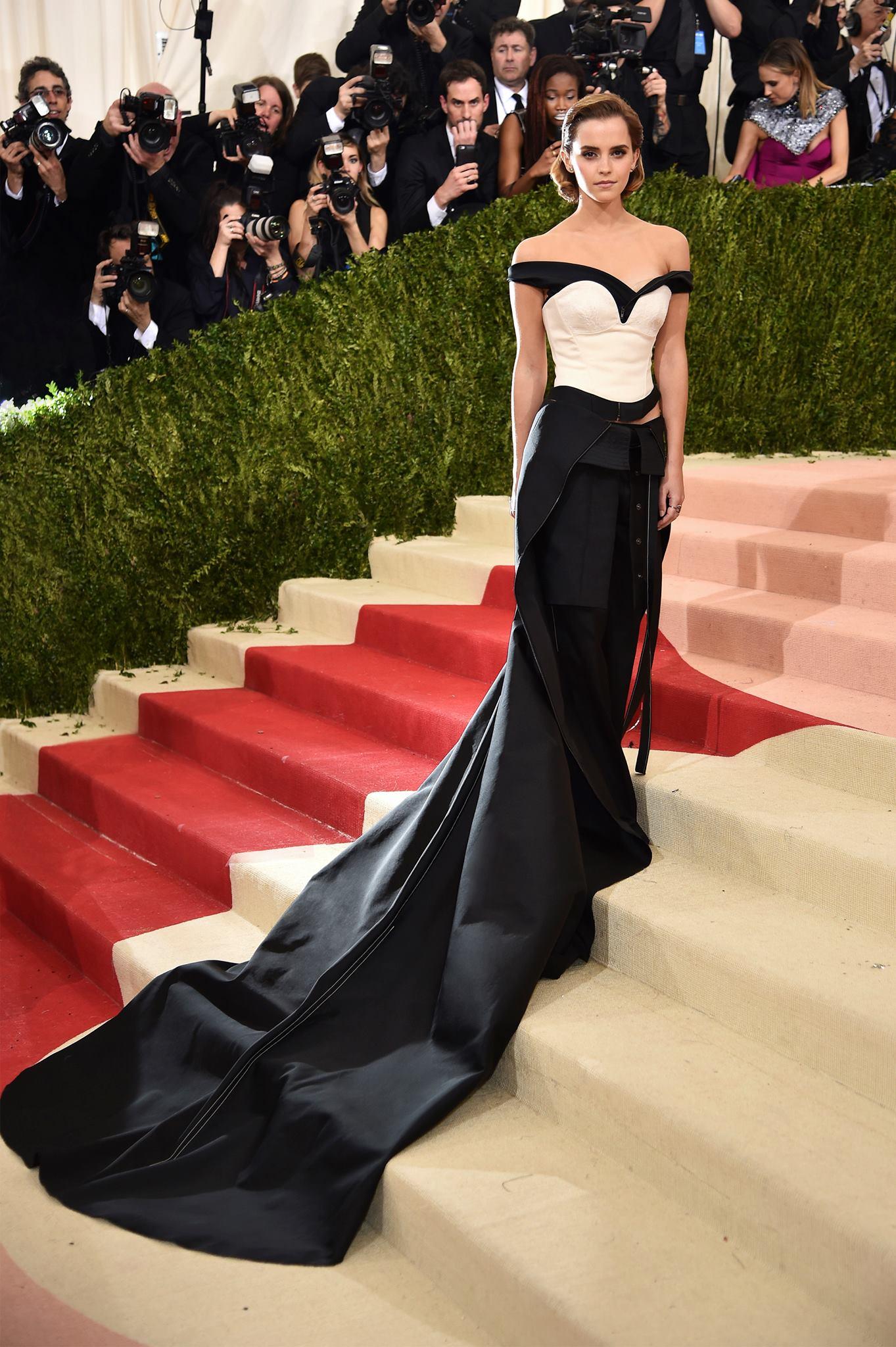 Emma Watson в платье Calvin Klein на Met Gala 2016