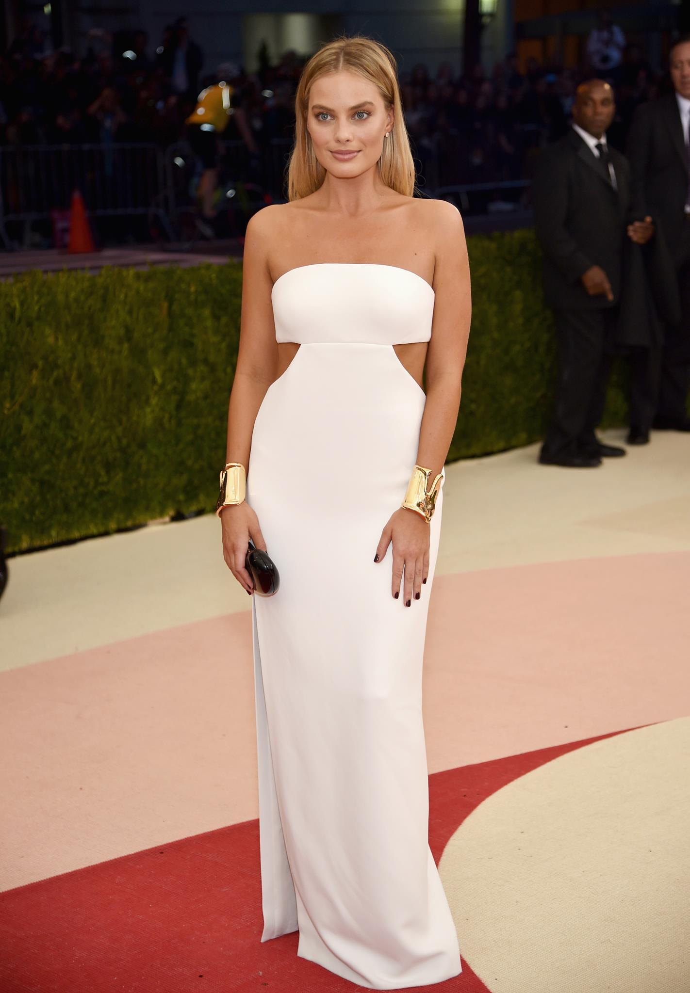 Margot Elise Robbie в платье Calvin Klein на Met Gala 2016