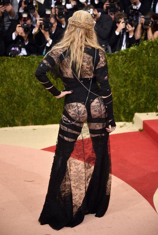 Madonna в платье Givenchy на Met Gala