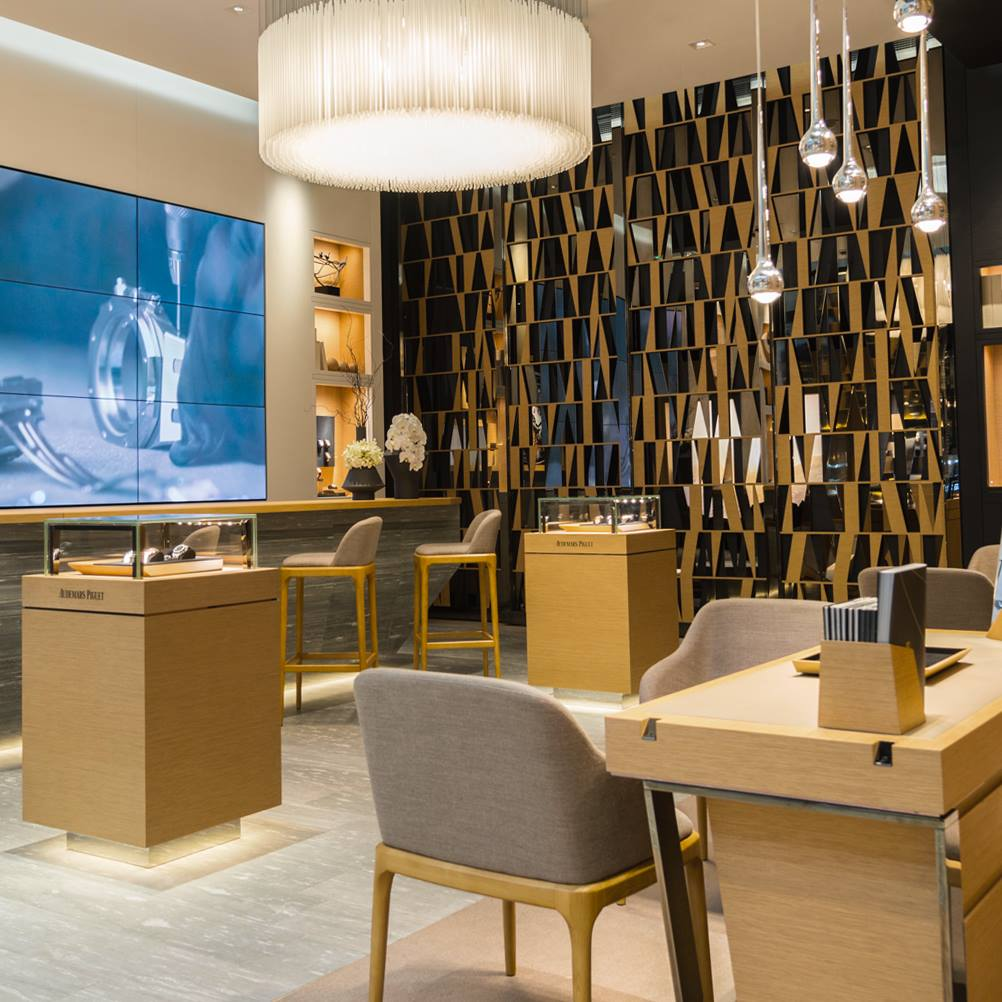 Audemars Piguet - reopen store in Dubai / inside
