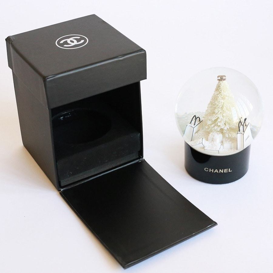 Chanel Snow Globe packaging