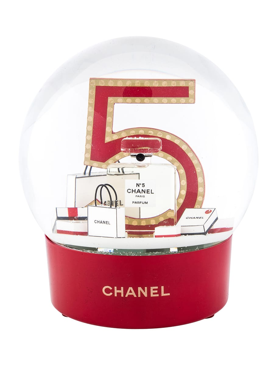 Chanel Snow Globe — No5